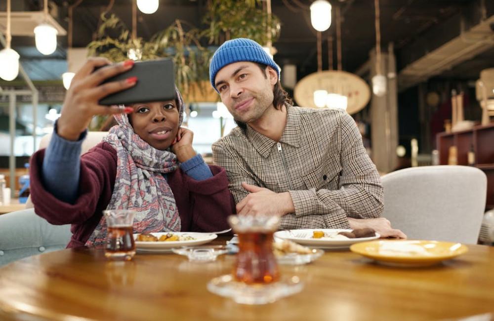 Drie redenen waarom daten via internet ideaal is